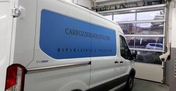 noleggio furgoni roma senza carta di credito immagine del furgone da affitare al interno della carrozzeria giusta